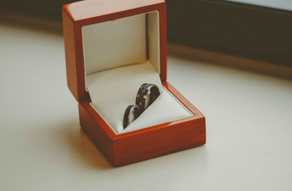 Madani Bridal Jewellery: Trendsetting Rings for the Modern Bride and Groom