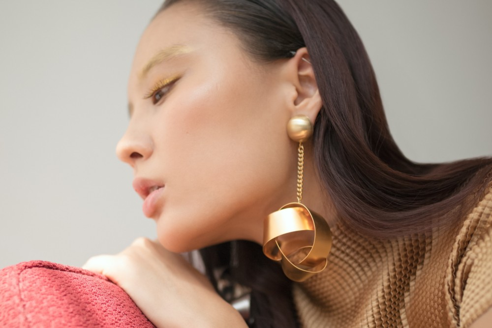 Drop Everything: Linear Drop Earrings are Officially Hotter than Ever